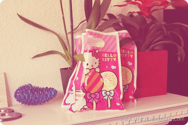 Hello-Kitty_party-favor-bags