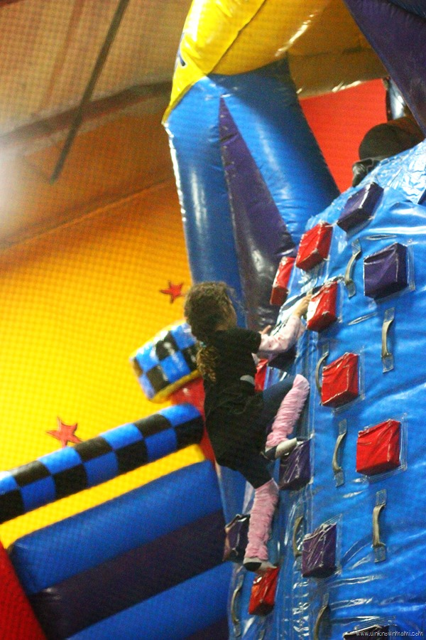 Inflatable structure at Pump It Up