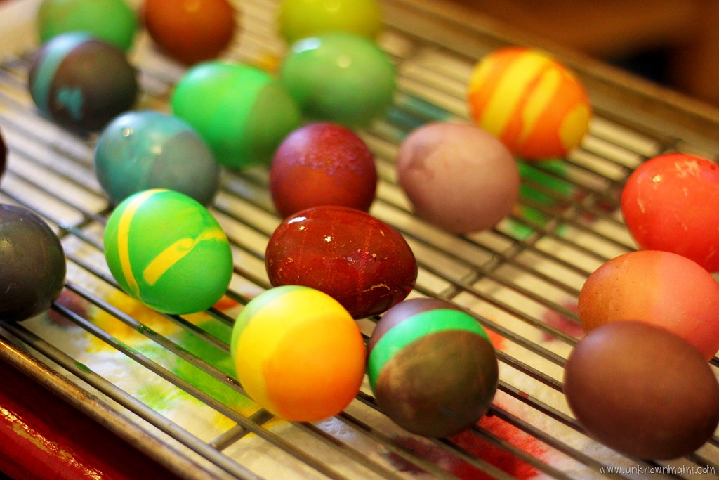 DIY Easter Egg Dye with Food Coloring and Vinegar     Unknown Mami bgpPBqqr