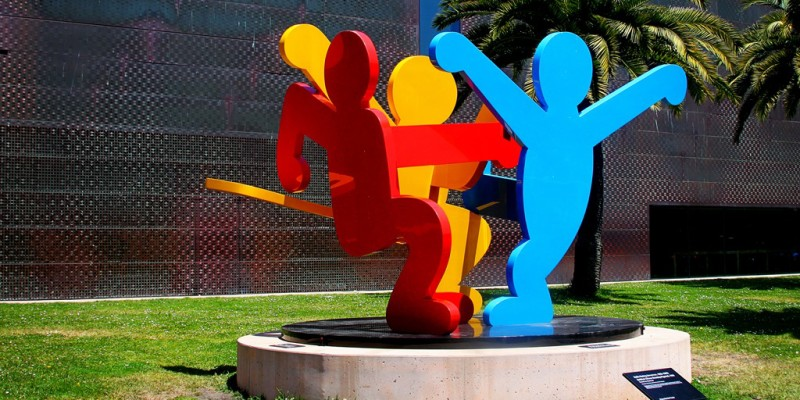 Three-Dancing-Figures-Keith-Haring-unknownmami.jpg