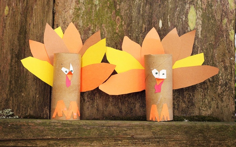 DIY: Toilet Paper Roll Turkeys