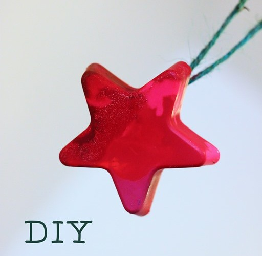 DIY: Melted Crayon Christmas Tree Ornaments