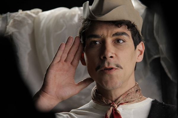 Oscar Jaenada as Cantinflas