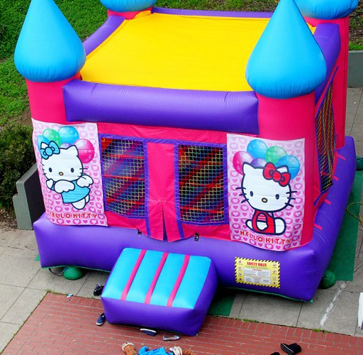 Jumpy House Party Time (Sundays In My City)